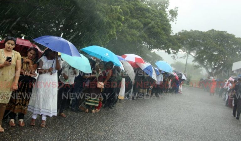 Sky cries at Sat's cremation