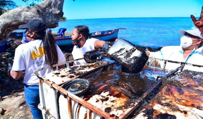 Ship in Mauritius oil spill emptied of fuel, but heavy damage for island