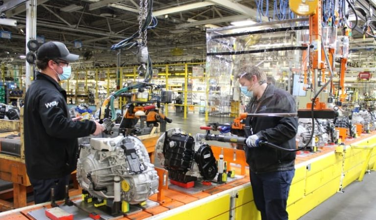 Unifor's 'unique' Ford deal includes 5 new electric vehicles in Oakville, engine for Windsor plants