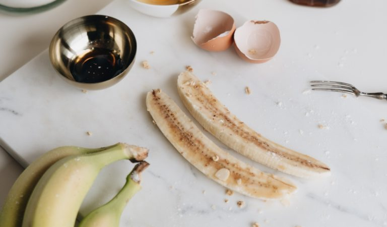 3 Easy Snacks That Pack a Good Protein Boost