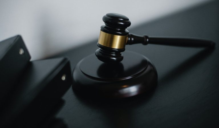 How to Find the Best Defense Attorney for Your Case
